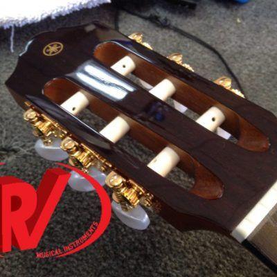 Đàn Guitar Yamaha Classic CG162C