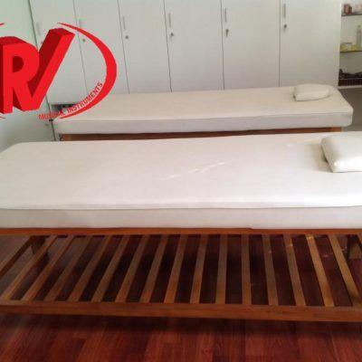 Giá giường massage spa chân gỗ