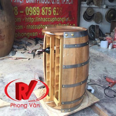 Thùng gỗ sồi làm kệ để chai rượu vang