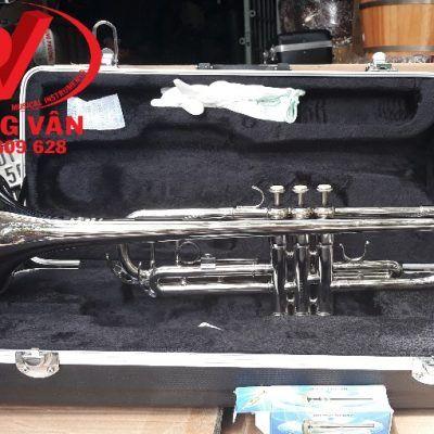 Kèn trumpet Victoria màu trắngdata-cloudzoom =