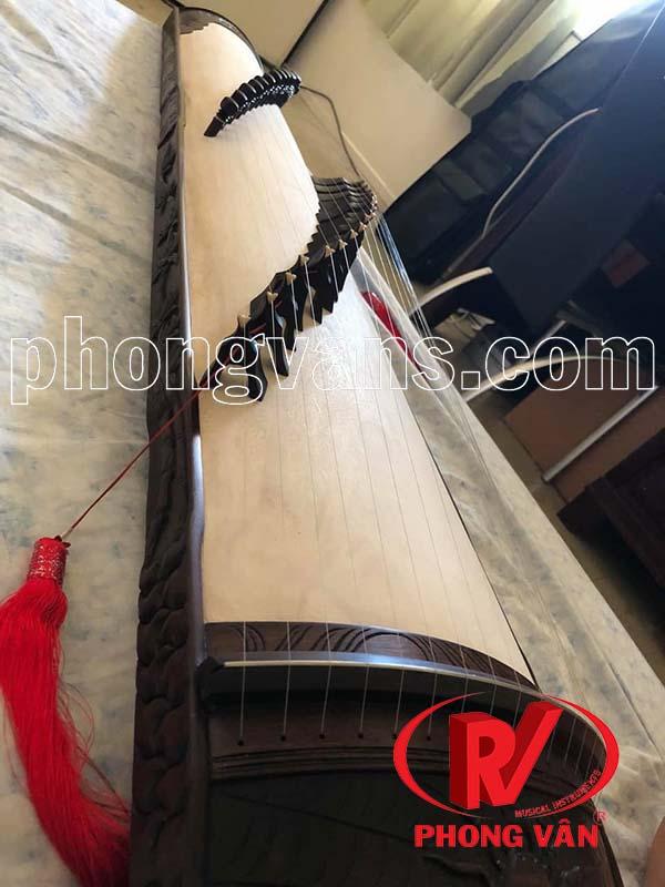 Đàn tranh gỗ mun đen trạm hình 17 dây