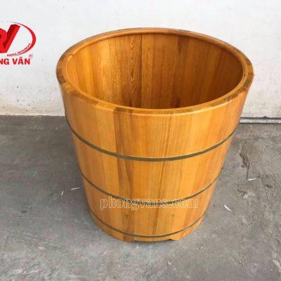 Bồn tắm gỗ pơ mu dáng đứng