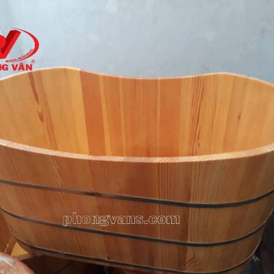 Bồn tắm gỗ thông nằm oval