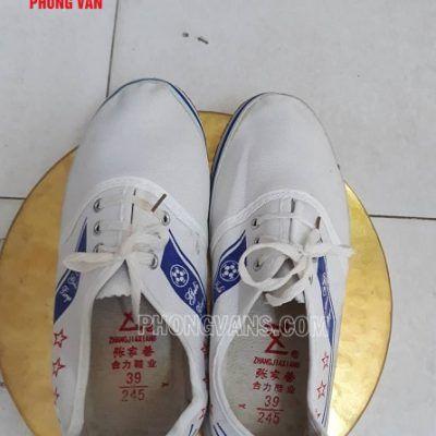 Giày tập nghi thức