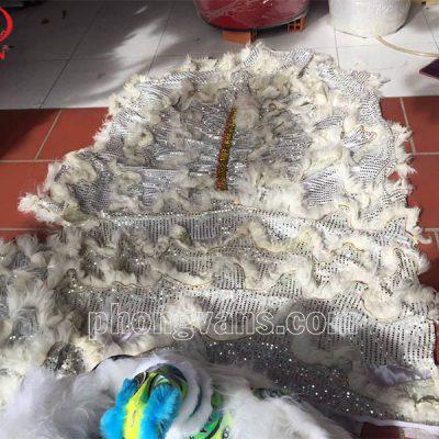 Bộ đầu múa lân lông cừu màu trắngdata-cloudzoom =