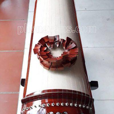 Đàn tranh gỗ hương 17 dây khảm traidata-cloudzoom =