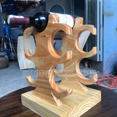 Kệ gỗ để 5 chai rượu vang