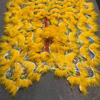 Bộ đuôi quần lân vải gấm lông cừu vàng