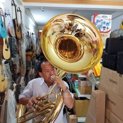 Kèn helicong sousaphone cho nhà thờdata-cloudzoom =
