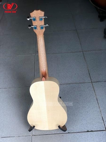 Đàn ukulele gỗ tự nhiên khắc hình