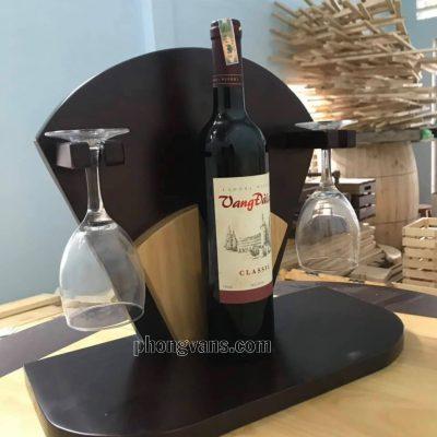 Kệ rượu treo ly bằng gỗdata-cloudzoom =