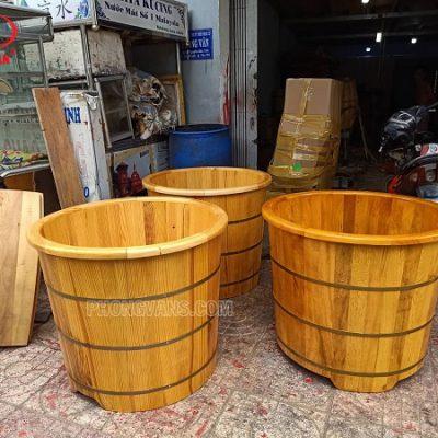 Bồn tắm gỗ pơ mu dáng tròn