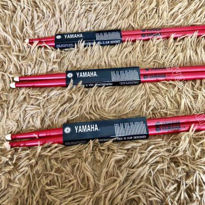 Dùi đánh trống jazz Yamaha 7A màu đỏ