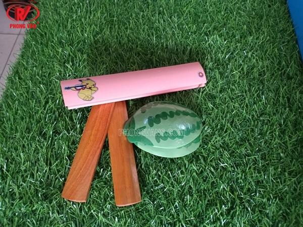 Bán hạc gỗ và bát bộ sơn son thếp vàngCác nhạc cụ cho trẻ em mầm non tiểu học