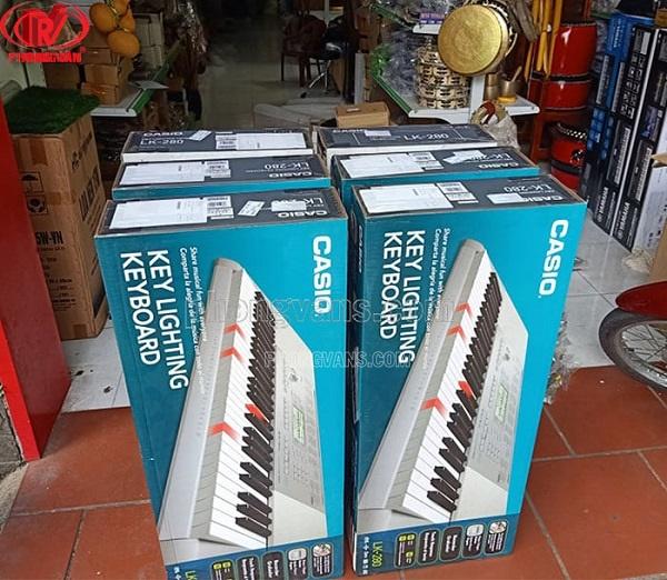 Cửa hàng bán đàn organ ở Hà Nội