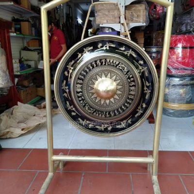 Chiêng đồng rộng 70 cm hoa văn trống đồng