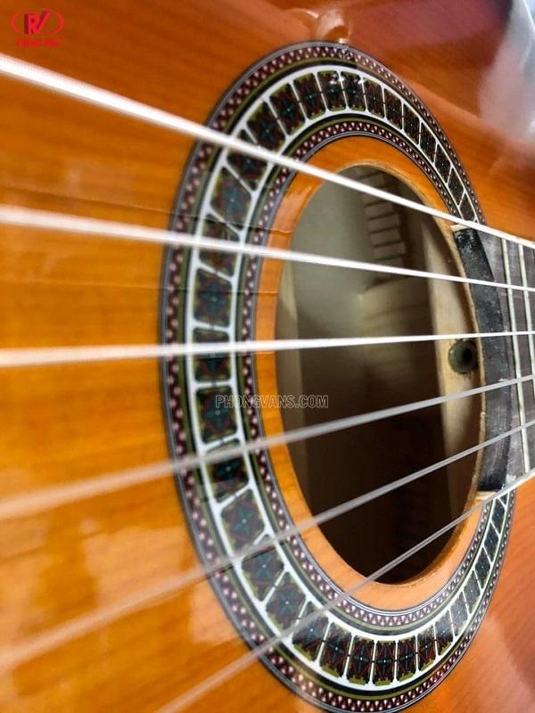 Bán đàn guitar cổ điển dây nylon