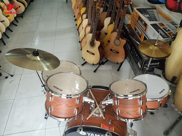 Dàn trống jazz Yamaha màu vân gỗ size lớn