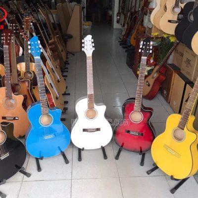 Đàn guitar acoustic màu Việt Nam