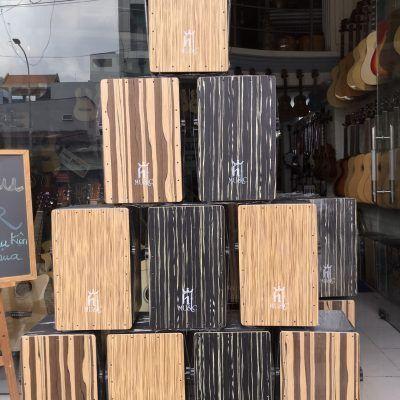 Trống cajon drum HTmusic gỗ thường mặt cao cấp EQdata-cloudzoom =