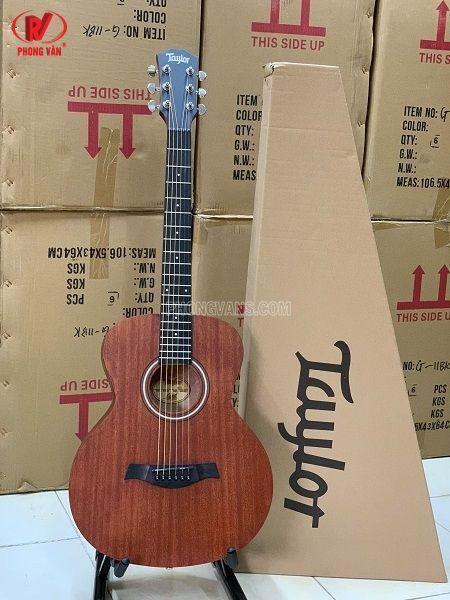 Bán sỉ lẻ đàn guitar Taylor BT2 size nhỏ